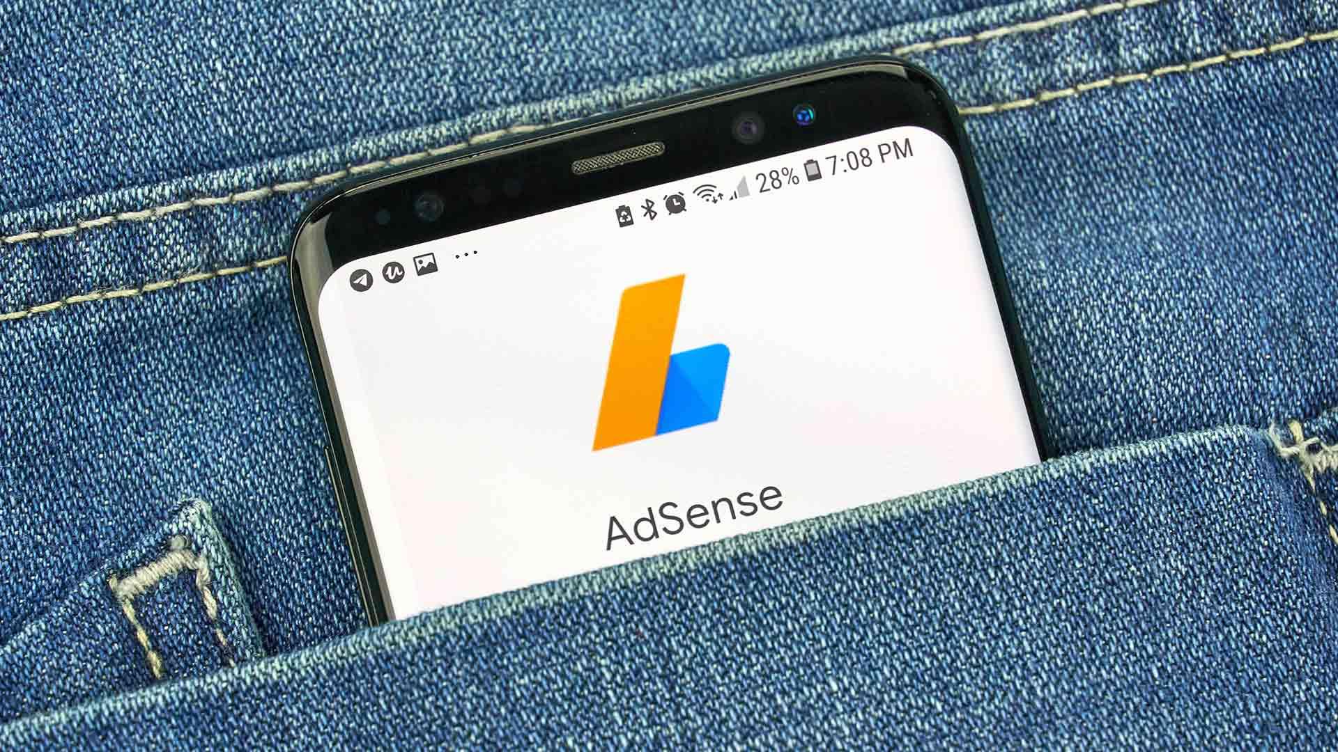 Google AdSense, importanti modifiche alle unità pubblicitarie. Tipi di annunci, esperimenti, codice sincrono si modificano per sicurezza e flessibilità.